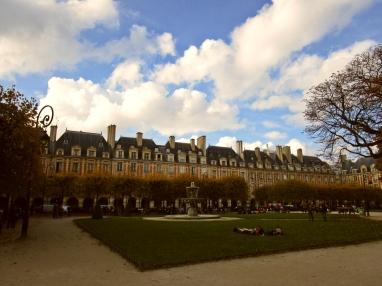 A dreamy day at Place des Vosges.