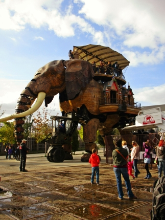 "The ""Big Elephant of Nantes"" walks, blinks, and can even roar and spray water out its trunk."